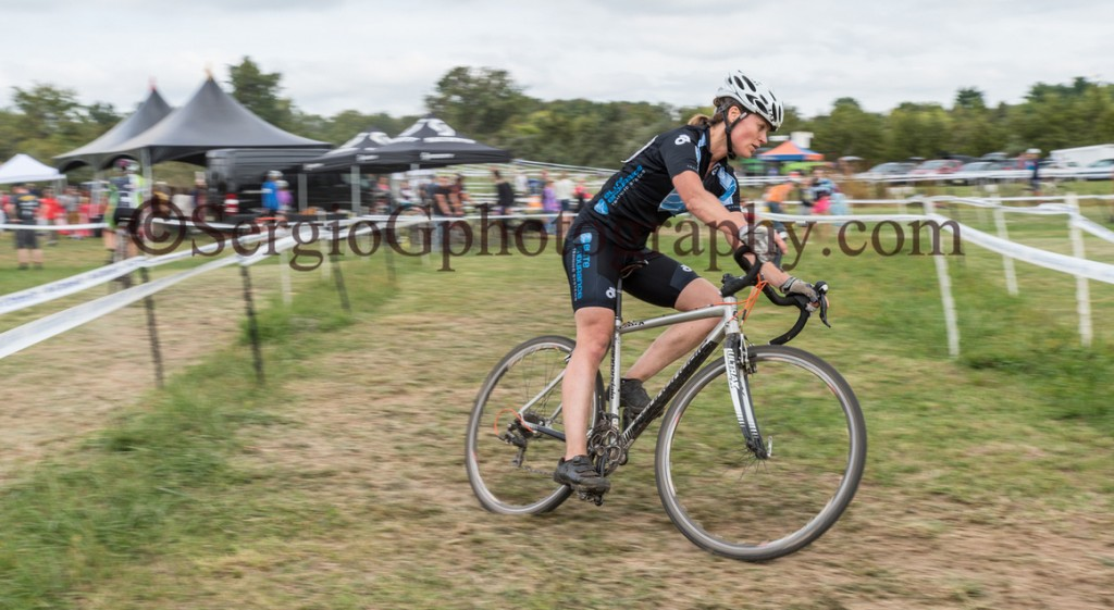 Kristine Contento-Angell cornering at hippo cx